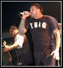 Photos concerts/Madball091207/2007-12-09 23-50-32.TN__.JPG